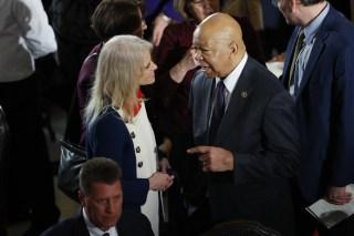 Image: Kellyanne Conway and Rep. Elijah Cummings