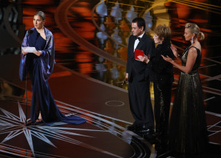 Image: 'Salesman' wins at Oscars
