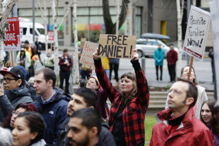 Image: Protesters gather outside US. District Court during a hearing for Daniel Ramirez Medina