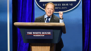 Image: Melissa McCarthy performs in a Saturday Night Live skit as White House press secretary Sean Spicer