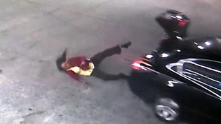 Image: Woman jumps from car trunk in Birmingham, Alabama