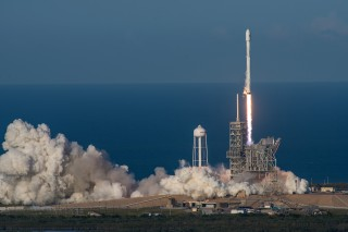 Image: SpaceX Falcon 9 rocket launch