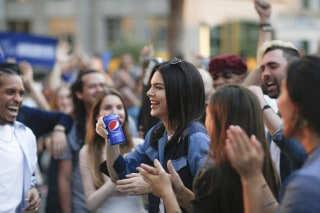 Image: Pepsi PR On-Set With Kendall Jenner