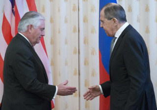 Image: Secretary of State Rex Tillerson (left) and Russian counterpart Sergei Lavrov