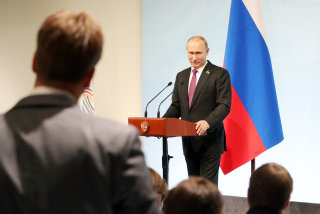 Image: Russia's President Vladimir Putin gives a news conference following the G20 leaders summit in Hamburg, Germany, July 8, 2017.