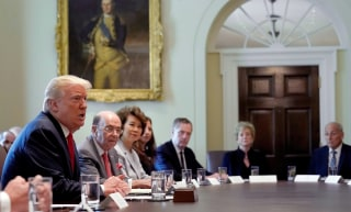 Image: U.S. President Donald Trump speaks during a cabinet meeting