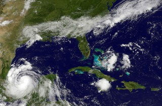 Image: storm activity on Mexico's eastern coastline