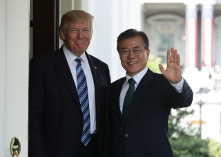 Image: Donald Trump and Moon Jae-in