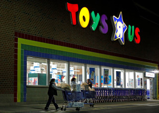 Image: Toys 'R' Us files for bankruptcy ahead of holiday season