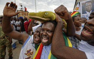 Image: Emmerson Mnangagwa Supporters