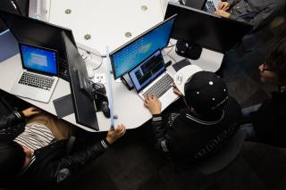 Image: South Korea Trains Student Hackers To Fight Kim Jong Un's Cyber Elite