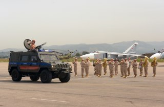 Image: A military parade at Russia's base in Hmeimim