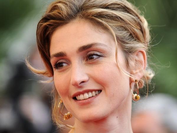 Image: French actress Julie Gayet