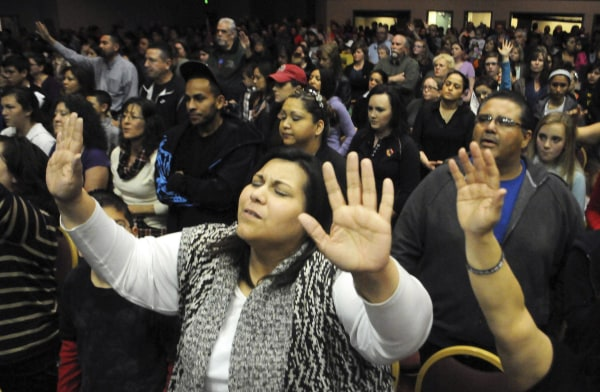 Image: Hundreds of residents attend a prayer vigil for victims of the Berrendo Middle School shooting in New Mexico