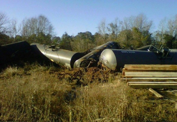 Image: A train derailed in New Augusta, Miss. on Friday Jan. 31, 2014.