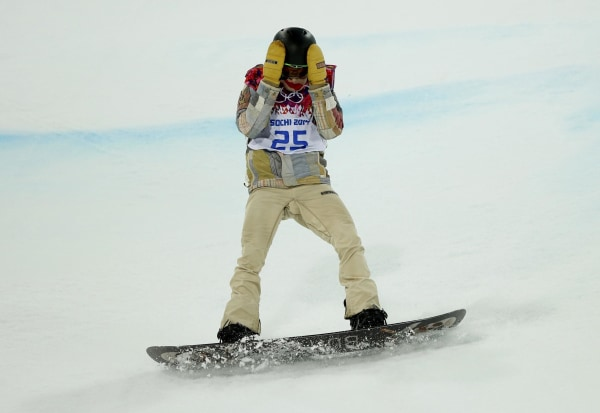 Image: Shaun White of the U.S. reacts after crashing during the men's snowboard halfpipe final event at the 2014 Sochi Winter Olympic Games in Rosa Khutor
