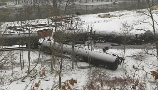 Image: train derail