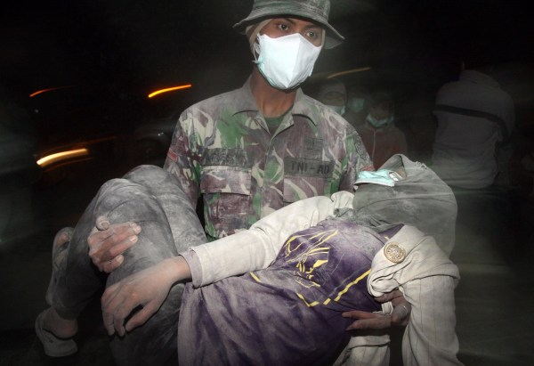 Image: TOPSHOTS-INDONESIA-VOLCANO