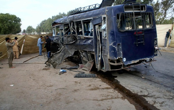 Image: Suicide attack targeting police bus in Karachi, Pakistan, on Thursday