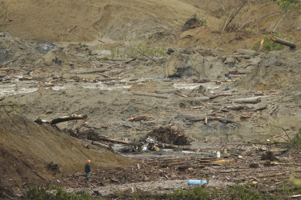 Image: Death Toll Continues To Mount After Massive Washington Mudslide