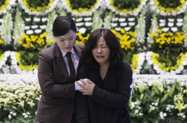 Image: Families Mourn Loss At Group Memorial Altar In Ansan