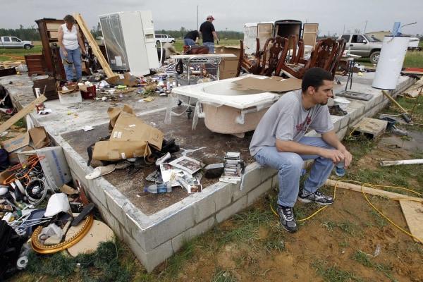 Image: Aftermath of tornado in Vilonia, Arkansas, on April 26, 2011