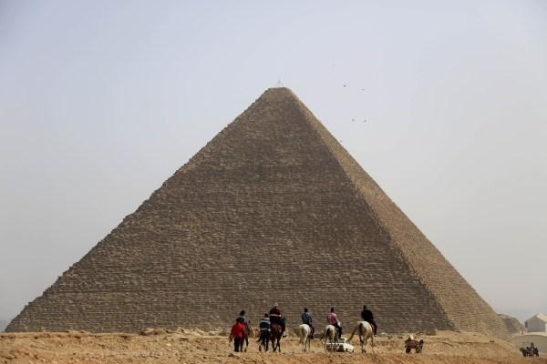 Image: Giza Pyramids in Egypt
