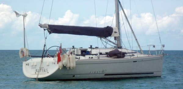The yacht Cheeki Rafiki is missing after it ran into difficulties about 1,000 miles off Cape Cod.