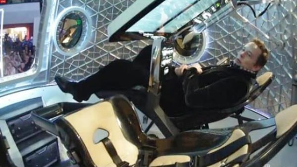 Image: Musk inside Dragon
