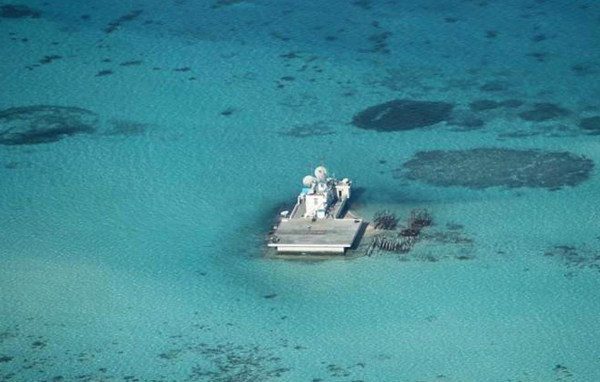 Image: Chinese-made structures stands on the Johnson Reef