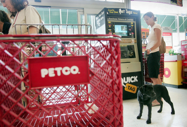 Image: Shoppers look over the merchandise at a PetCo store on July 14, 2006 in Chicago, Ill.