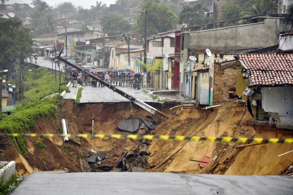 Image: Lhe aftermath of a landslide that destroyed several homes in Natal, Brazil