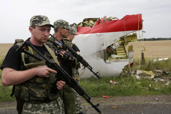 Image: Malaysia Airlines plane crashes in eastern Ukraine