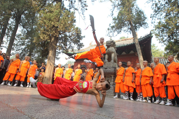 Chinas Shaolin Temple plans to host its first kung fu fighting event
