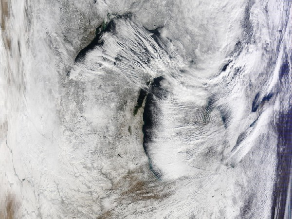 Image: Snow-band clouds over the Great Lakes