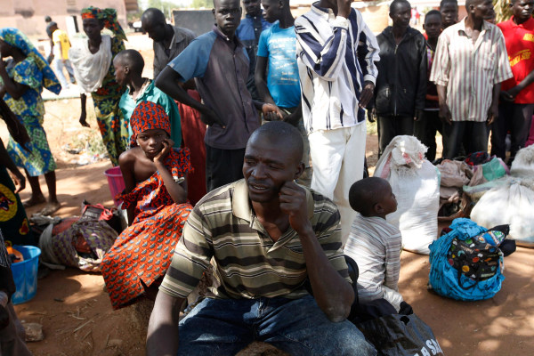 Image: Civilians flee Boko Haram attacks
