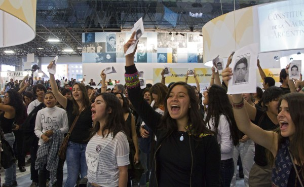 Image: MEXICO-LITERATURE-BOOK-FAIR-STUDENTS-PROTEST