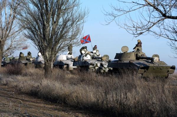 Image: A convoy of Pro-Russian militants near Starobeshevo