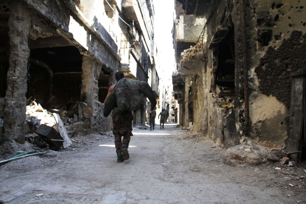 Image: Destroyed buildings in Yarmouk refugee camp in Syria