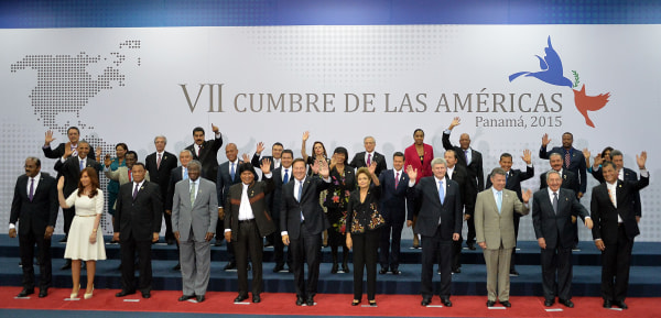 Image: PANAMA-AMERICAS-SUMMIT-FAMILY PICTURE