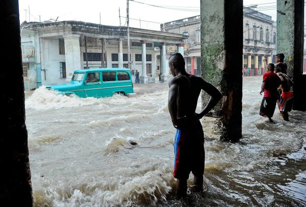 Image: rainstorm in Havana