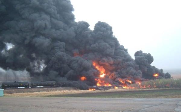 Image: Oil train derailment in Heimdal, North Dakota