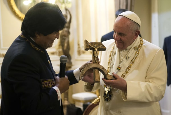 Image: Bolivian President Evo Morales exchanges gifts with Pope Francis