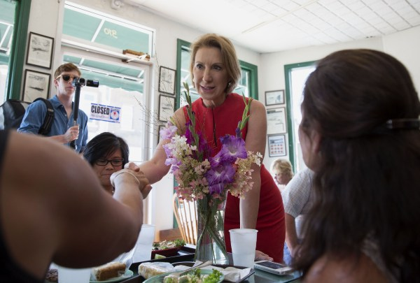 Carly Fiorina Tours And Speaks At Stellar Industries