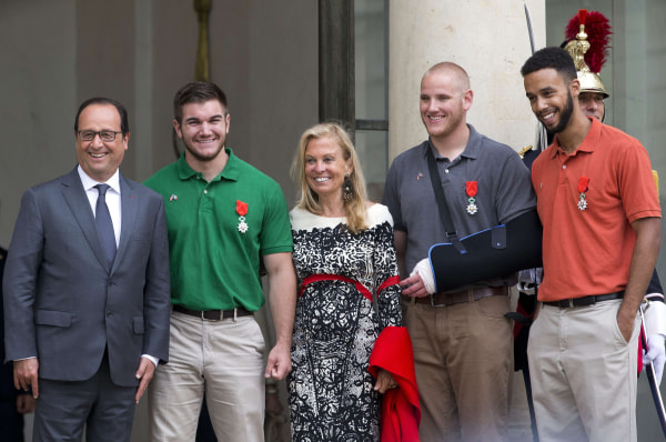 Image: Francois Hollande, Alek Skarlatos, Jane Hartley, Spencer Stone, Anthony Sadler