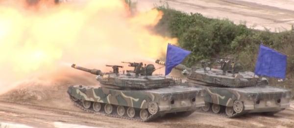 Image: South Korea exercise tanks