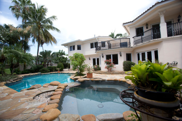 Ex teen idol david cassidy auctions home after bankruptcy for Florida pool show 2015