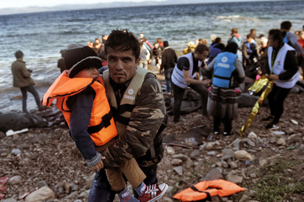 Image: Migrants arrive on Lesbos