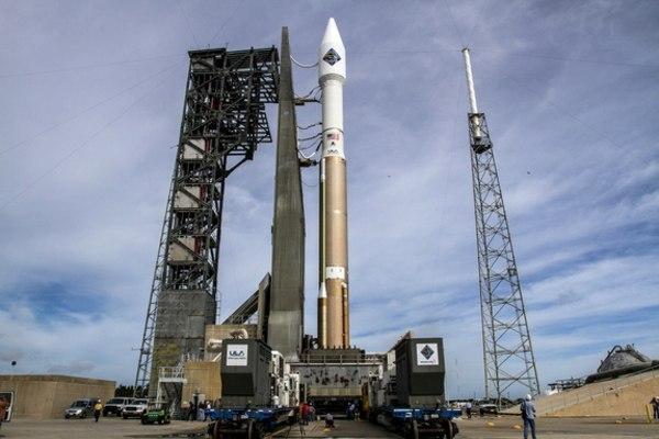 Image: Atlas V rocket carrying Orbital ATK Cygnus spacecraft