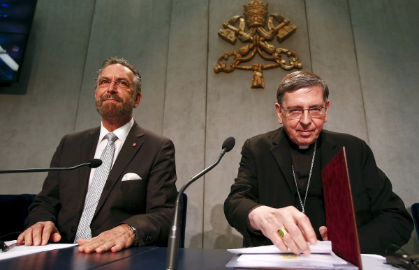 Image: Cardinal Kurt Koch and Rabbi David Rosen attend a news conference at the Vatican